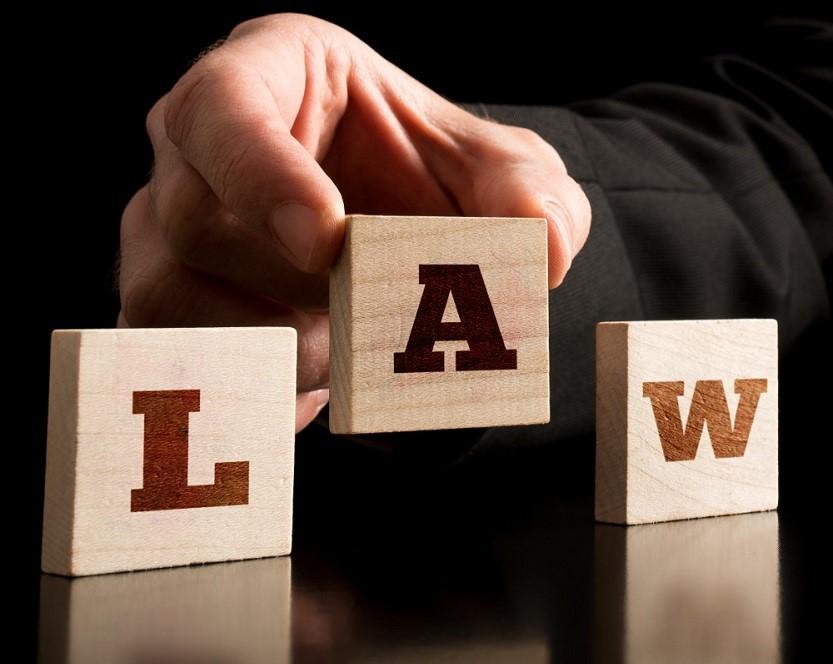 نقش وکلا در دعاوی حقوقی -تعهدات و مسئولیتهای وکلا-وظایف وکیل-تقسیم بندی انواع وکالت