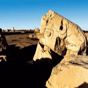 تخریب اموال تاریخی فرهنگی